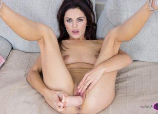 Sexy Dominika in VR Casting