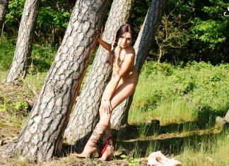 Jane – Woodland Striptease