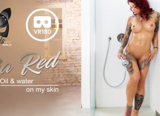 Ria Oils Up Her Sexy Body for You